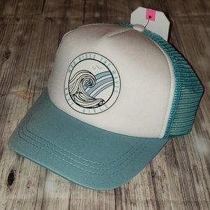 Roxy Reggae Town mesh snap back trucker hat